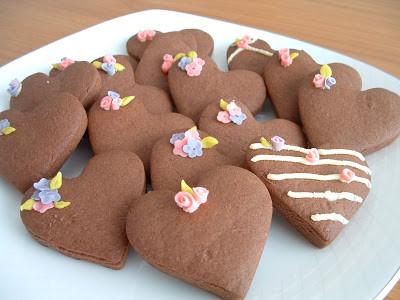 çiçekli kalpli kurabiyeler