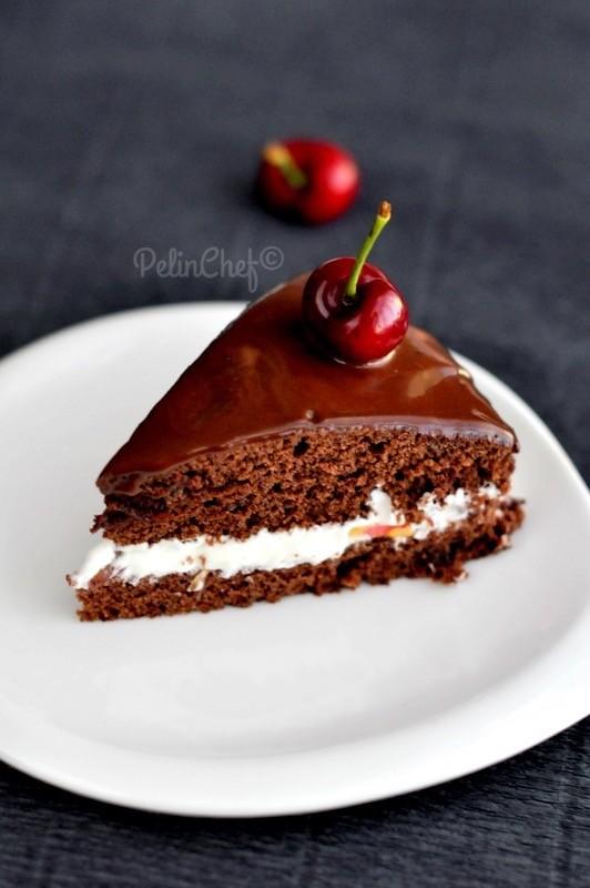 kirazlı-çikolatalı-pasta