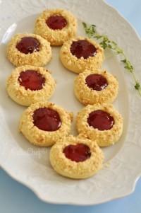 reçel-dolgulu-fındıklı-kurabiye
